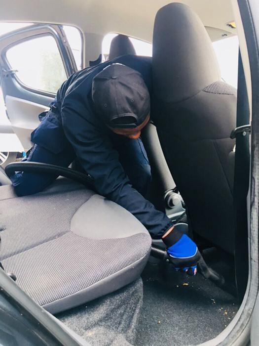 Auto interieur reiniging