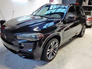 BMW X5 M polijsten en glascoating lakherstel lakverzegeling interieur en exterieur reiniging fast clean service 5